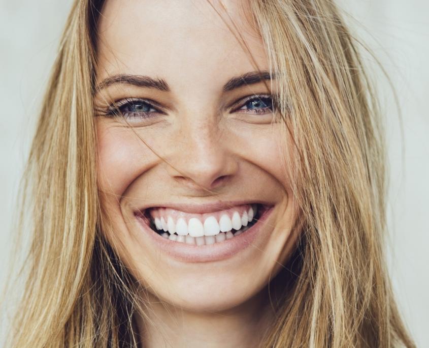 Schöne Zähne - Frontzahnästhetik | Zahnärzte am Papenberg